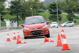 Basic Defensive Driving Training Course ( Light Vehicles ) (1 day)