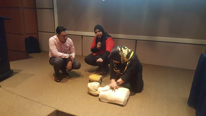 CERT Academy AED in workplace | CPR and AED on manikin demo training